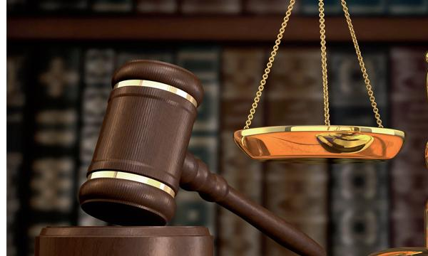 القضاء المصري يحكم  بالإعدام شنقاً بحق ربة منزل أرضعت طفلتها مادة كاوية