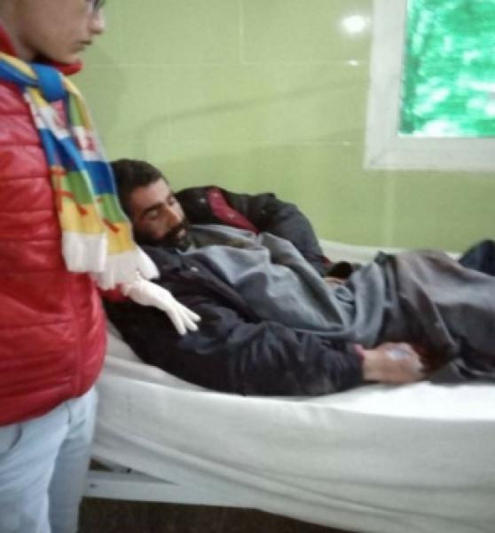 مشهد مأساوي...مستشفى ابن رشد يرفض استقبال متشرد يأكل الدود جسده وهو حي