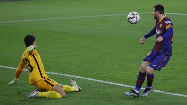 إشبيلية يقترب من نهائي الكأس على حساب برشلونة وبونو يقدم مباراة عالمية ويحرم ميسي من التسجيل(فيديو)