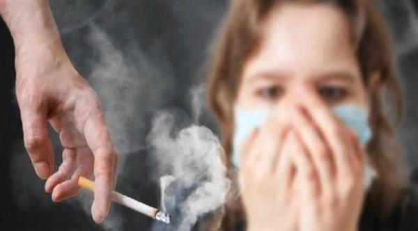 دراسة: دخان السجائر  يجعل خلايا مجرى الهواء أكثر عرضة للإصابة بفيروس كورونا