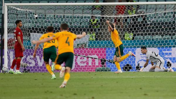 ويلز تقترب من حسم التأهل بالفوز على تركيا وبيل يتألق بتمريرتين حاسمتين