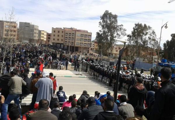 احتجاجات جرادة : السلطات تكشف عدد الإصابات في صفوف القوات الأمنية و هذا عدد الموقوفين