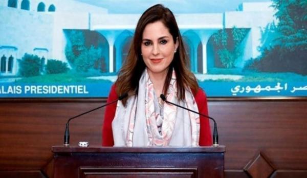 وزيرة الاعلام اللبنانية تعلن استقالتها من الحكومة بعد انفجار مرفأ بيروت