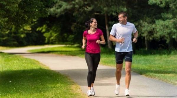 المشي 20 دقيقة يومياً يحميك من أمراض القلب