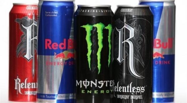 تناول مشروبات الطاقة قبل سن الـ 25 يؤدي إلى تلف الكليتين