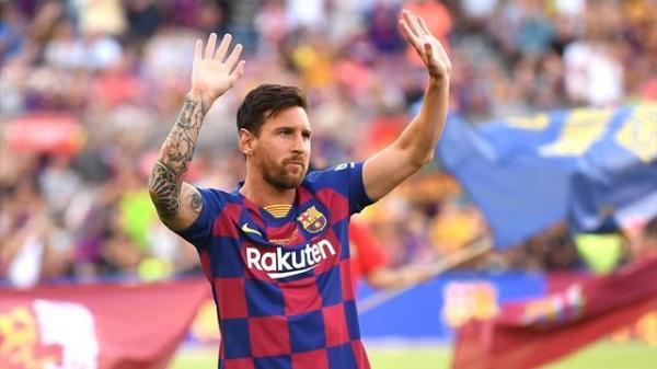 إصابة ميسي تبعده عن فريق برشلونة