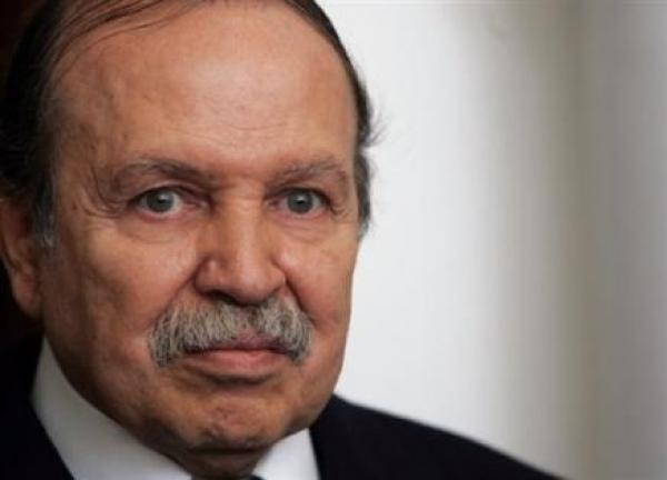 صحيفة: بوتفليقة يتنحى عن رئاسة الجزائر في 48 ساعة!