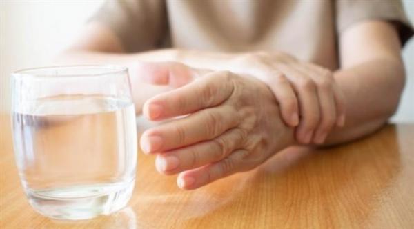 فرنسا تشرع في تجربة سريرية تهدف إلى إبطاء تقدم مرض باركنسون