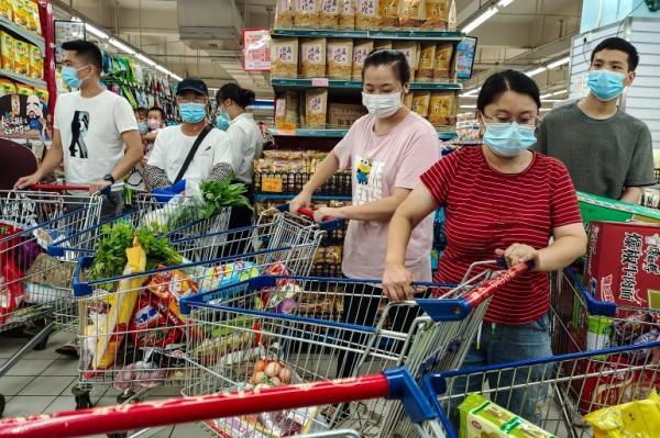 سلطات مدينة ووهان الصينية تعتزم إخضاع جميع سكانها لفحوص بعد عودة الإصابات بفيروس كورونا للظهور