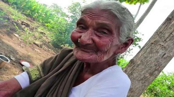 """وفاة أكبر """"يوتيوبر"""" في العالم عن عمر يناهز 107 سنوات"""