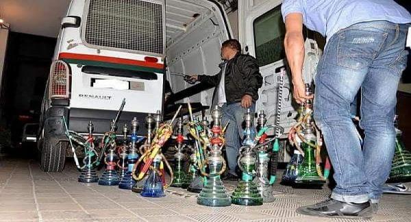 الأمن يداهم مقاهي ويعتقل أزيد من 20 شخصا من بينهم فتيات ويحجز 70 قنينة نرجيلة