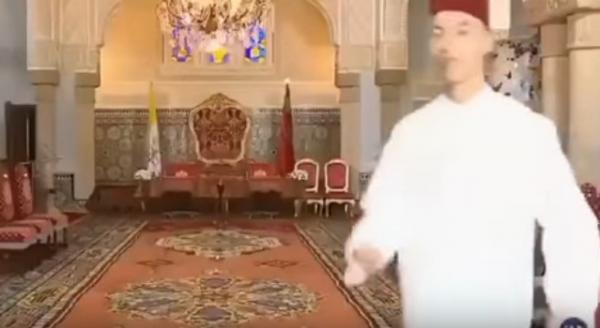 """بالفيديو...لقطة طريفة لولي العهد الأمير """"مولاي الحسن"""" تنشر لأول مرة"""