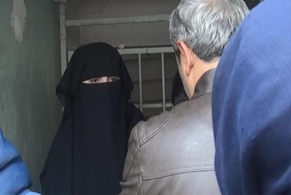 """المنكر...اعتقال """"راقية شرعية"""" متزوجة في أحضان عشيقها بالجديدة وهكذا كشف زوجها خيانتها"""