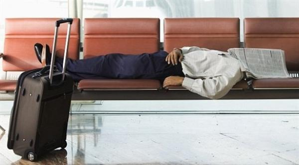 هل تخفف القيلولة من تعب رحلات الطيران؟