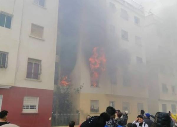 فاجعة..وفاة طفل بعد نشوب حريق داخل شقة سكنية سلا (فيديو)