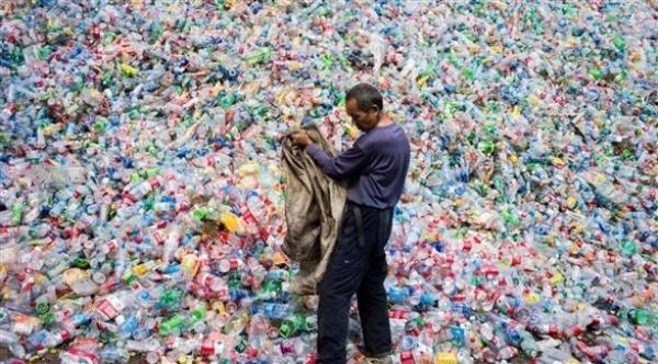 آسيا هي المسؤولة عن نصف النفايات البلاستيكية في محيطات العالم