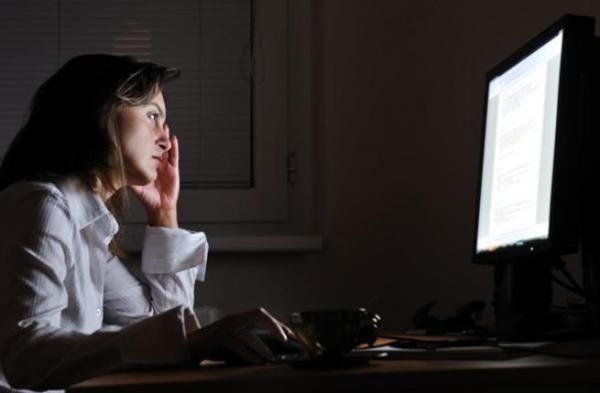 انتبهي...العمل الليلي يهدد صحتك