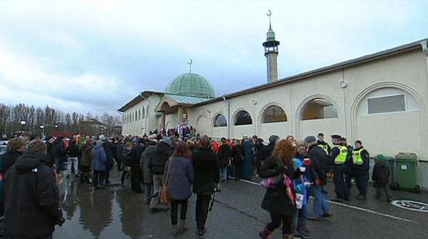 للمرة الثانية خلال 7 أشهر.. مسجد في السويد يتعرض لهجوم عنصري