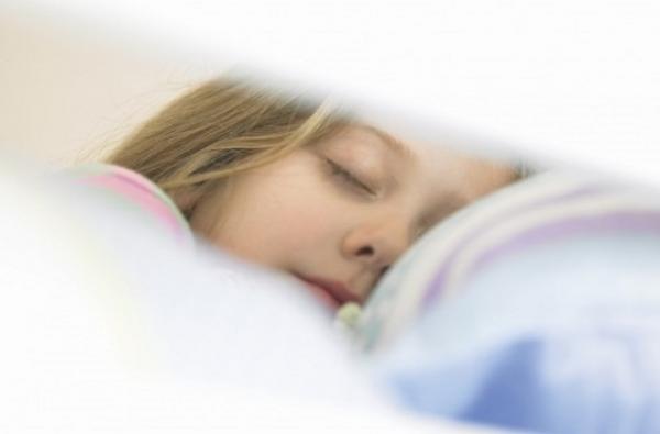 ما يجب فعله وما يجب تجنبه للحصول على نوم عميق أثناء الليل
