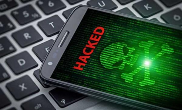 """""""فيروس"""" يستهدف هواتف المغاربة ويسرق أموالهم"""