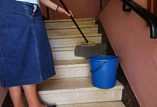 """التصريح بخادمات البيوت وعمال المنازل في """"CNSS""""  أصبح إلزاميا انطلاقا من اليوم"""