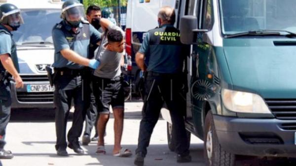 38 مهاجرا مغربيا يواجهون أحكاما بالحبس النافذ من محكمة اسبانية و السبب...