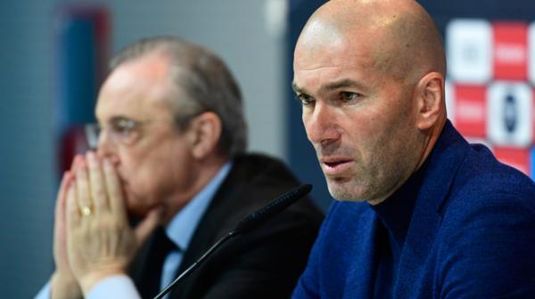 """""""زيدان"""" يشترط التعاقد مع ثلاثة لاعبين مقابل تجديد عقده مع """"ريال مدريد"""""""