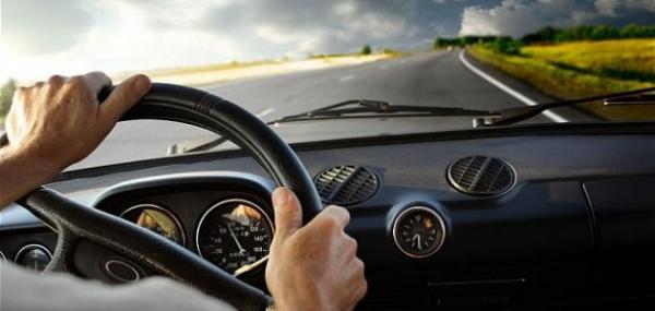 8 نصائح لقيادة السيارة لأقصى مسافة بخزان وقود شبه فارغ