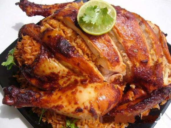الاشتباه في وفاة خمسة أشخاص وإصابة المئات بعدوى السالمونيلا في بريطانيا بسبب وجبات دجاج