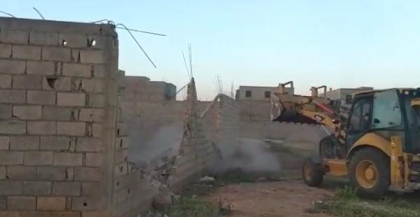 السلطات تستمر في حربها على البناء العشوائي وتهدم 30 بناية بقصبة تادلة والعدد الاجمالي يصل الى 237 بناية