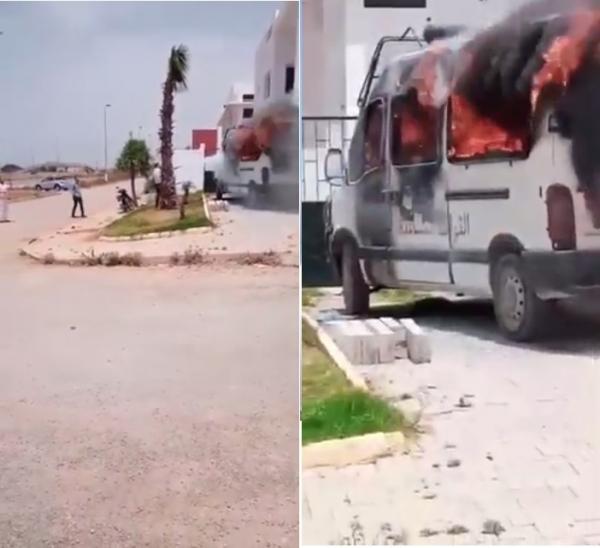بالفيديو: شخص هائج يضرم النار في سيارة للقوات المساعدة بسلا