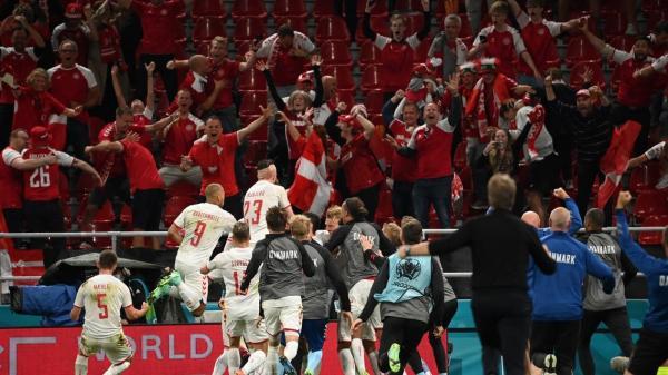 الدنمارك تنتفض ضد روسيا وتحجز بطاقة التأهل إلى دور الثمن