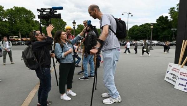 المغربي إبراهيم تقيّ الله  أطول رجل في أوروبا يملك أكبر قدمين في العالم