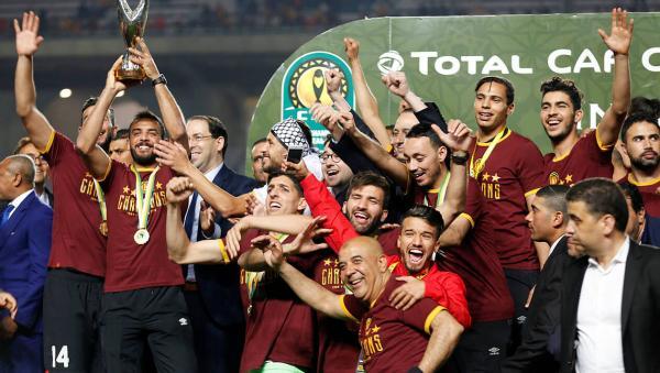 الترجي يرضخ للأمر الواقع ويقرر إعادة كأس دوري الأبطال والميداليات للكاف