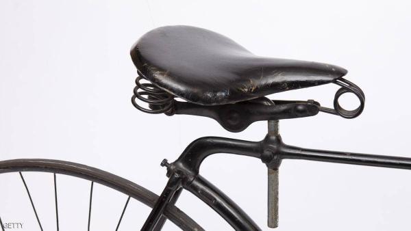 انتقام غريب لستيني ياباني بعد سرقة مقعد دراجته