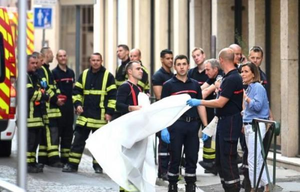 8 جرحى بانفجار في ليون الفرنسية يرجح انه طرد مفخخ