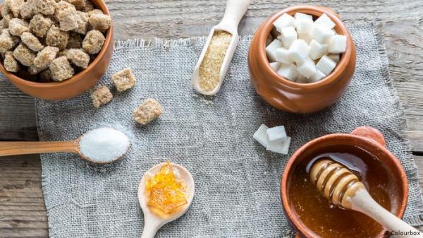ما هي المكونات التي تميّز العسل عن السكر المنزلي؟