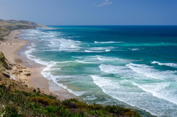 """هذه هي أنظف شواطئ المغرب الحاصلة على """"اللواء الأزرق"""" هذه السنة"""