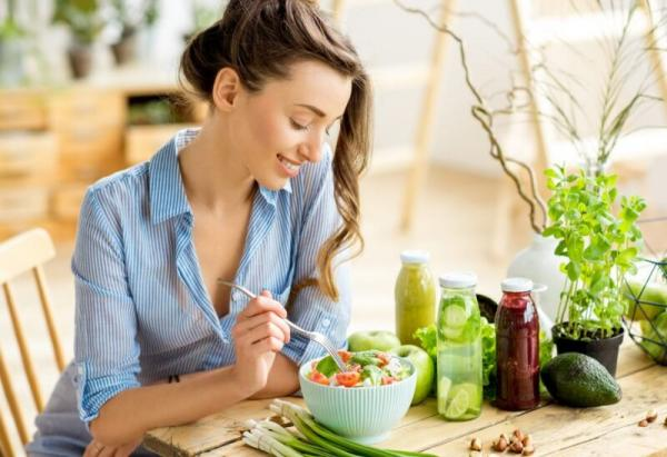 14 طعاما يجب تجنب تناولها على معدة فارغة