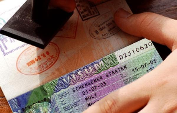 """هذا ما قررته وزارة الخارجية في قضية """"البيع والشرا"""" في مواعيد تأشيرات شنغن"""