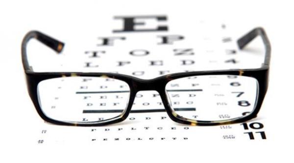05cfdeaf2 6 أعراض للمياه البيضاء على العين تهمك معرفتها