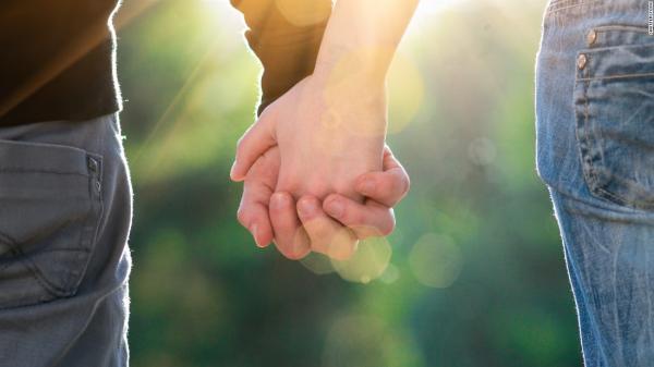 """قصة حب بين """"عشيقين"""" متزوجين تثير الجدل بسيدي افني .. تفاصيل مثيرة"""