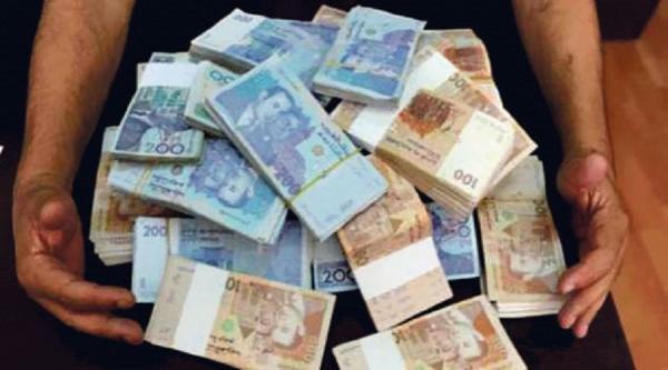 """أمن طنجة يمسك بالخيط """"الرئيسي"""" لجريمة سرقة 400 مليون سنتيم كانت بحوزة تاجر"""