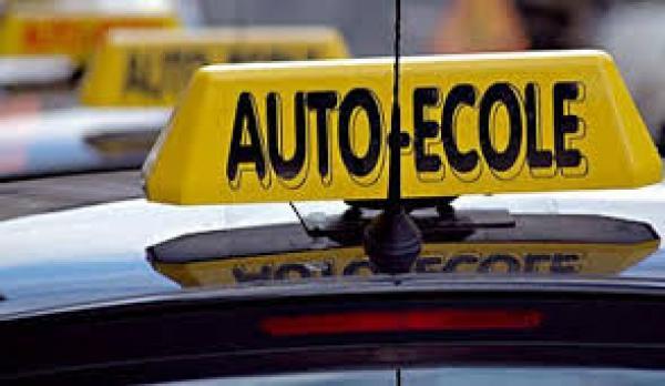 مع اقتراب تطبيق القانون الجديد، مدارس لتعليم السياقة على صفيح ساخن...مدينة العيون نموذجا