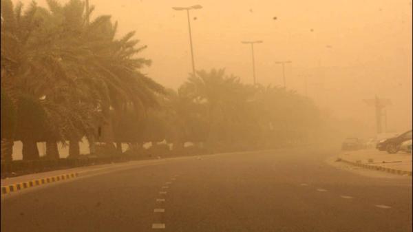 بالفيديو: عاصفة رملية غير مسبوقة تضرب الدار البيضاء وتثير رعب الساكنة