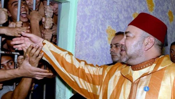 """الملك محمد السادس يصدر عفوا استثنائيا لفائدة 201 من السجناء """"الأفارقة"""""""