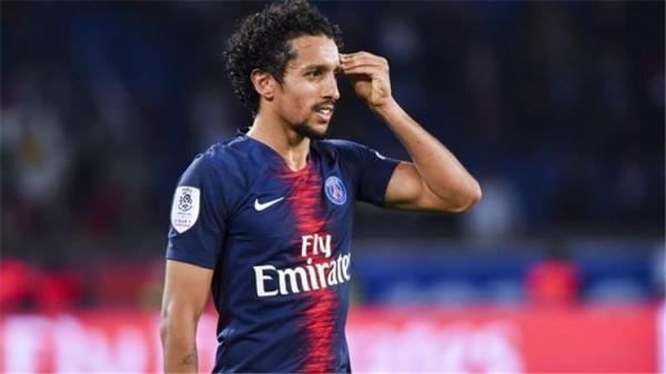 باريس سان جيرمان يعلن غياب لاعبه ماركينيوس لمدة ثلاثة أسابيع