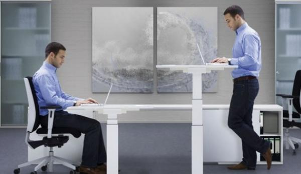 كيف يمكن تفادي العواقب الصحية الخطيرة للجلوس لفترة طويلة؟