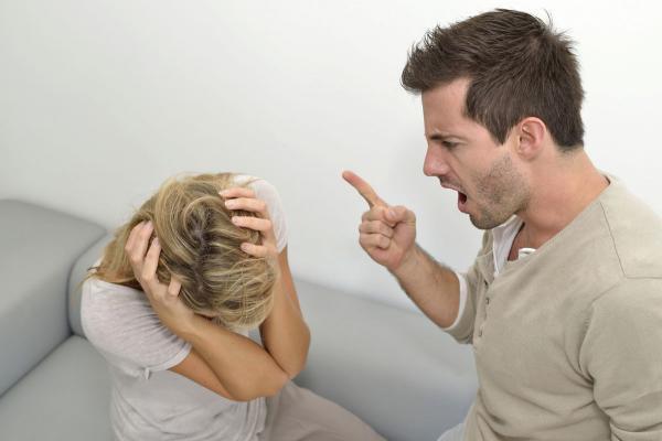 كيف تواجهين غضب زوجك بحكمة؟