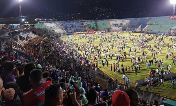 الهندوراس.. ثلاثة قتلى وسبعة جرحى في أعمال شغب خلال مباراة لكرة القدم